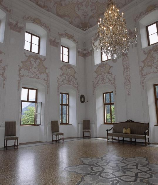 tv-ratschings-tradition-schloss-wolfsthurn-prunksaal