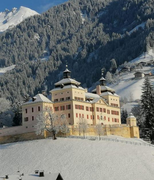 tv-ratschings-tradition-schloss-wolfsthurn-winter